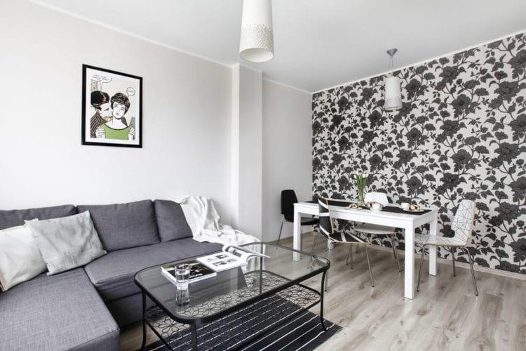 Черно белые обои в гостиной – сочетание покрытий для стен с черным узором или цветами в комнате, модели с белым рисунком или в полоску, идеи-2020 в интерьере — Архитектурно Строительный портал